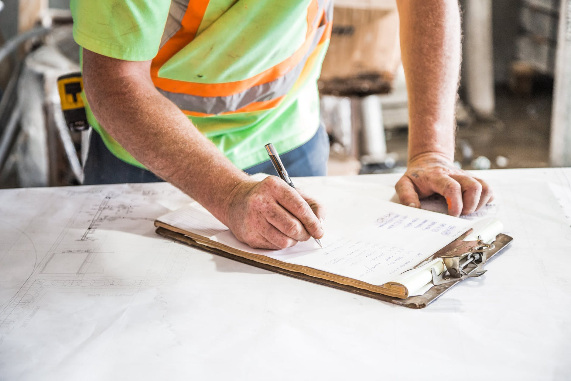 Downtown Hendersonville General Contractor: 5 Steps in Commercial Building Renovation Process